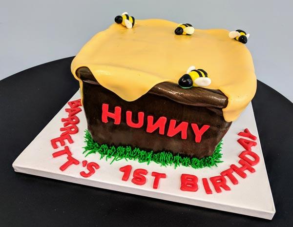 Hunny Pot Birthday Cake